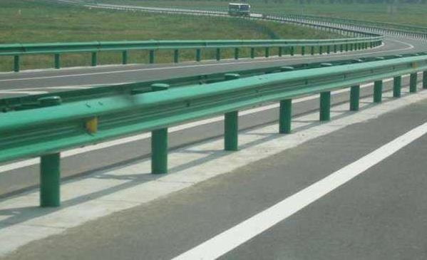 高速公路护栏板施工技术