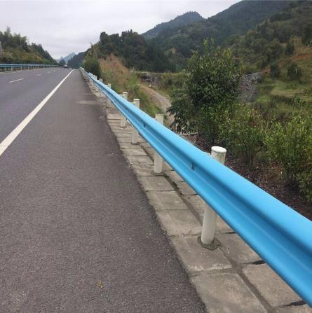 高速护栏板生产标准规格