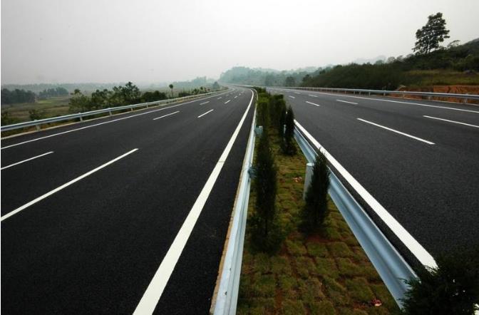 高速公路护栏板厂耐尔斯为您提供镀锌波形护栏板安装要领