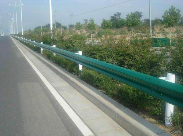 公路护栏板的五种主要的表面处理方式