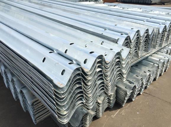 波形护栏板及其安装需要时附件的规范说明