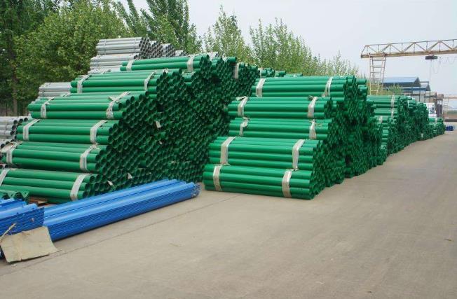 护栏板在夏季施工的性能以及特点