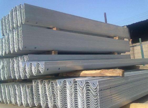 波形护栏板有哪几种配件