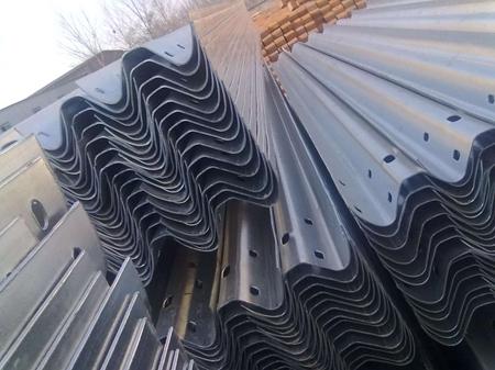 波形梁护栏板的安装注意事项